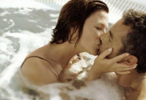 Man and Woman Kissing in Hot Tub, minimalism is sexy
